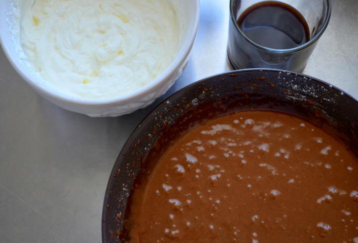 Шоколадный кекс с фундуком