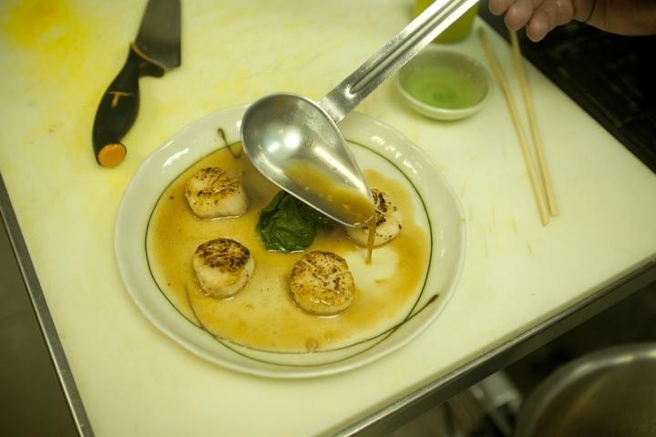 Морские гребешки со шпинатом