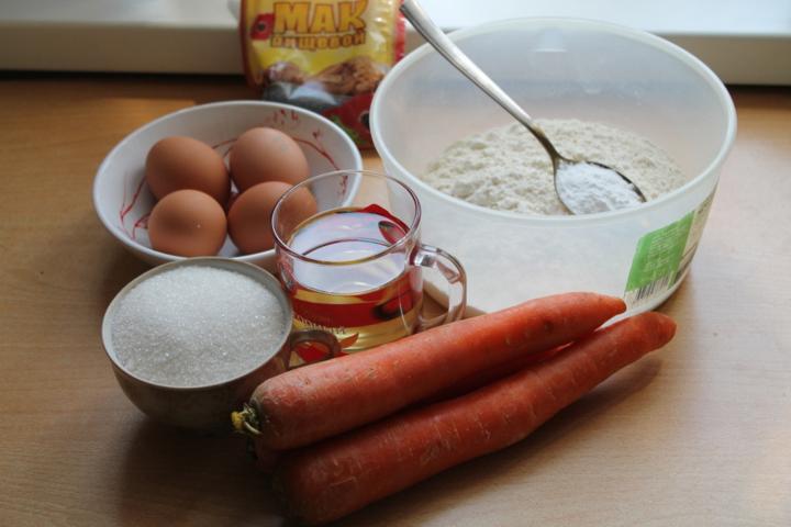 Морковный пирог с маком