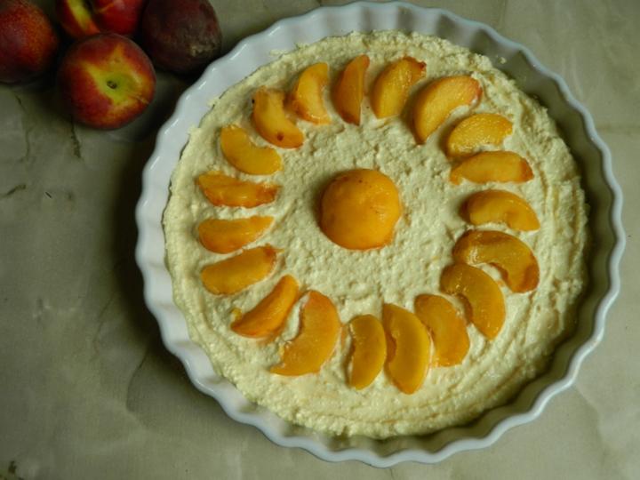 Творожная запеканка с персиками