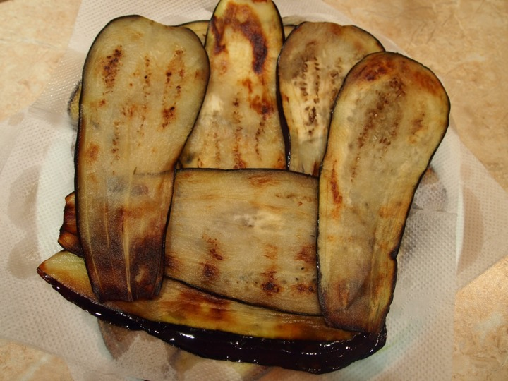 Баклажаны с форелью и сыром