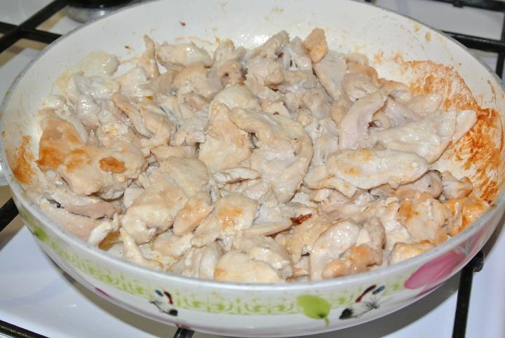 Куриное филе по-строгановски