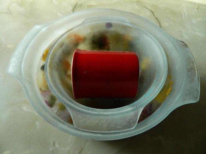 Арбузный гаспачо в ледяной тарелке