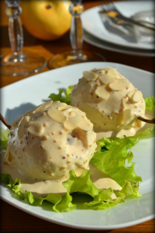 Груши под сливочно-горчичным соусом