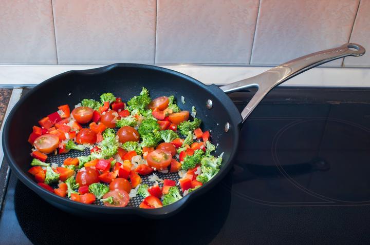 Рецепт дня: фриттата с овощами и сыром