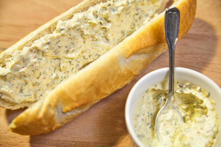 Сэндвич с семгой и рукколой