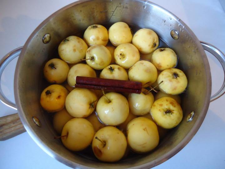 Яблочки в заварном тесте