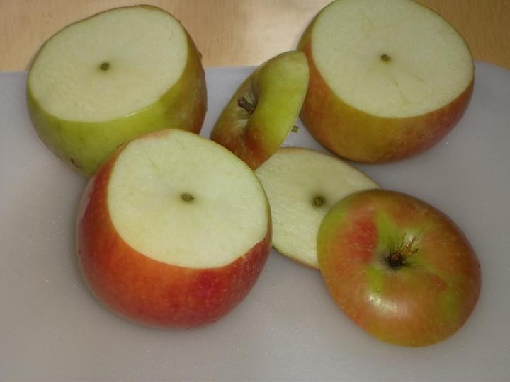 Печеные яблоки, фаршированные рисом