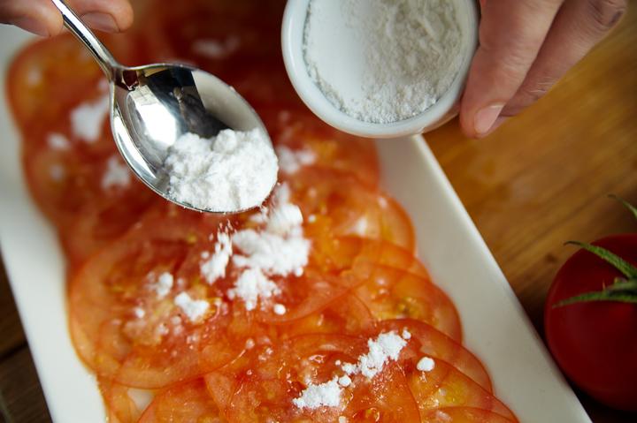Карпаччо из томатов с мятным миксом