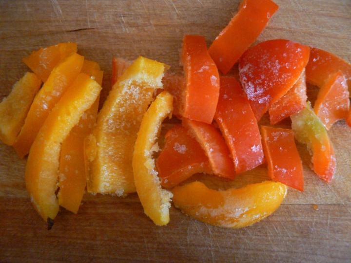 Удон с курицей и манго