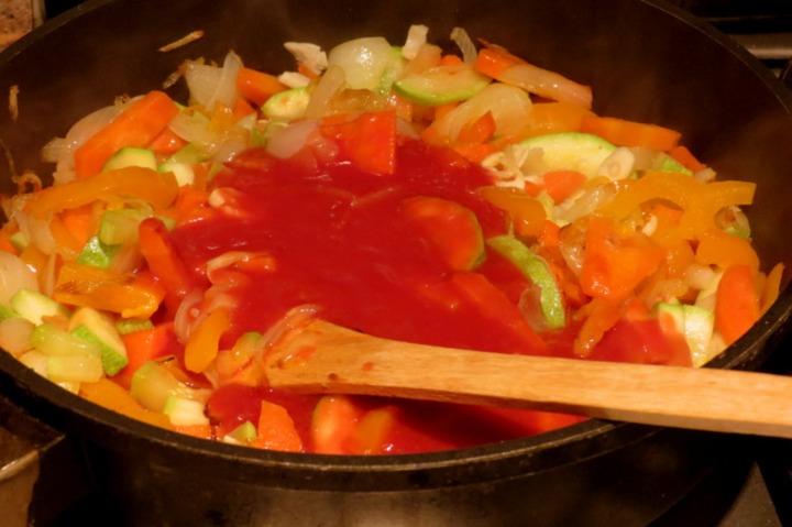Гречаники с овощным соусом