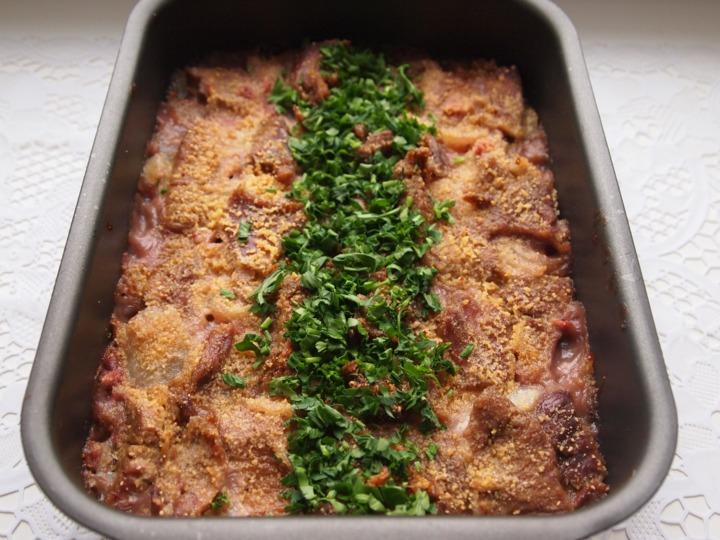 Запеченная говядина в соусе