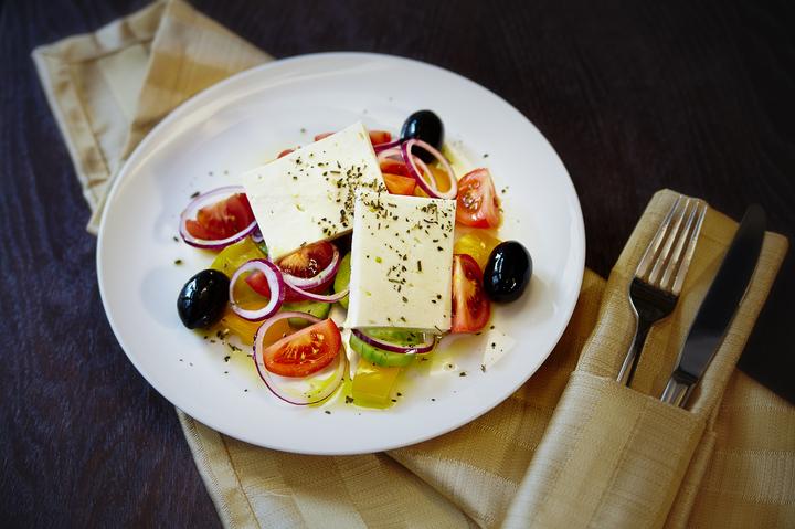 Салат в греческом стиле