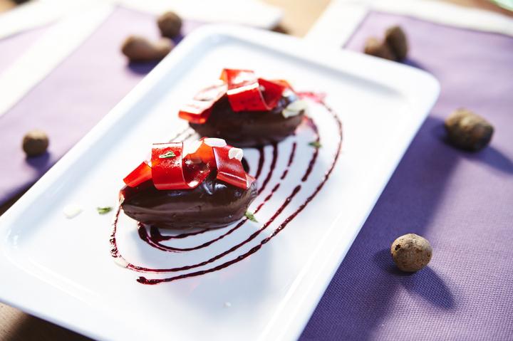 Ганаш из шоколада с папарделли из клубники