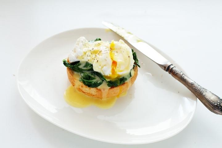 Яйцо-пашот с голландским соусом