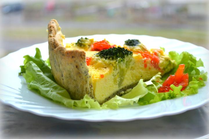 Пирог с брокколи и семгой