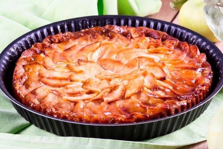 пирог из яблок и творога на скорую руку в духовке