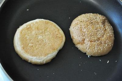 Средиземноморский бургер