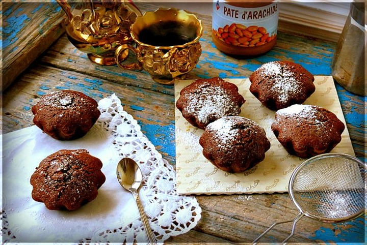 Шоколадные кексы с арахисовой пастой