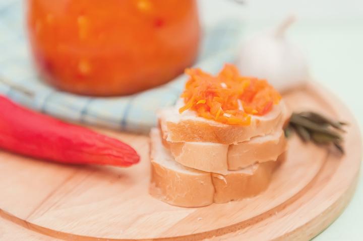 Аджика с морковью