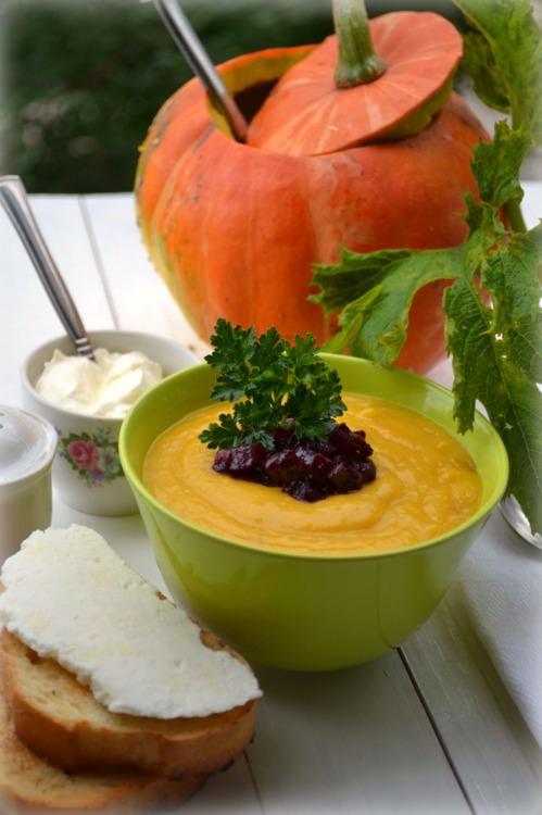 Тыквенный суп с золотистым луком