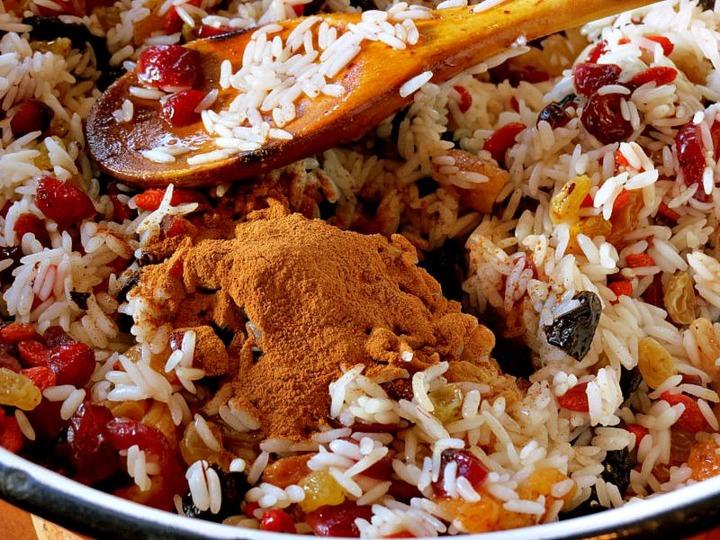 Тыква с рисом и сухофруктами