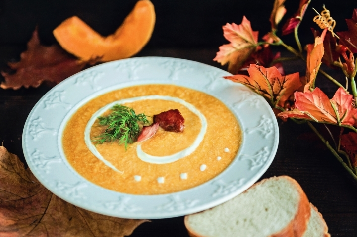 Суп-пюре из тыквы с беконом