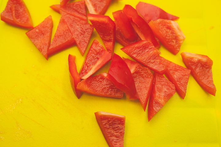 Легкий салат из сезонных овощей